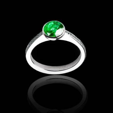 Verlobungsring  mit rundem Diamant in Weissgold Moon