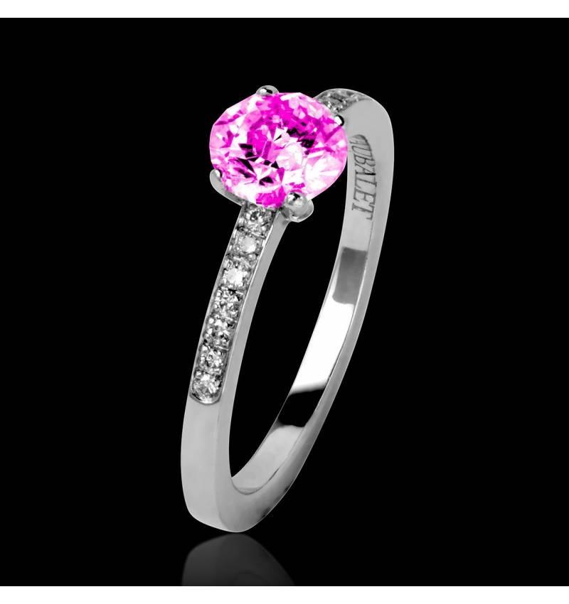 Verlobungsring mit rosa Saphir in Weissgold Judith