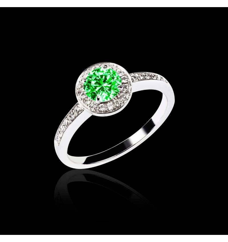 Verlobungsring mit Smaragd in Weissgold Rekha