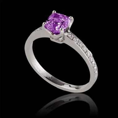 Verlobungsring mit rosa Saphir in Weissgold Sandy