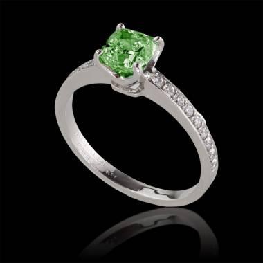 Verlobungsring mit Smaragd in Weissgold Sandy
