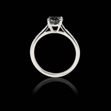 Verlobungsring mit schwarzem Diamant in Weissgold Angela