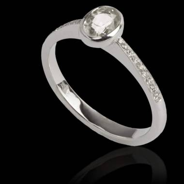 Ovaler Diamantring Moon