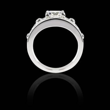 Weissgoldener Diamantring in Smaragdschliff Régina Suprema
