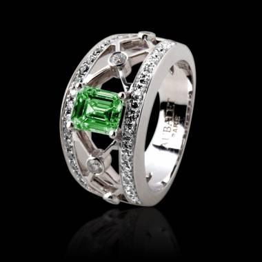 Weissgoldener Smaragdring in Smaragdschliff Regina Suprema