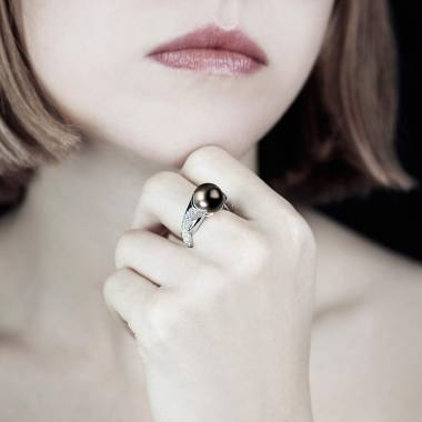 Schwarzer Perlenring Naïade