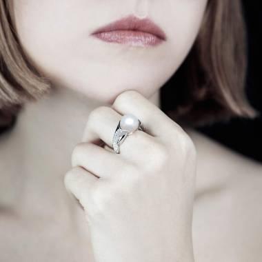 Weisser Perlenring Naïade