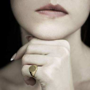 Chevalière femme or jaune Tonneau