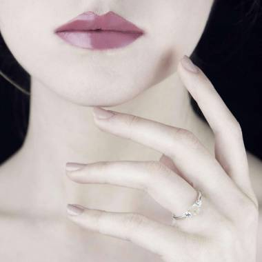 Bague opale blanche Nayla