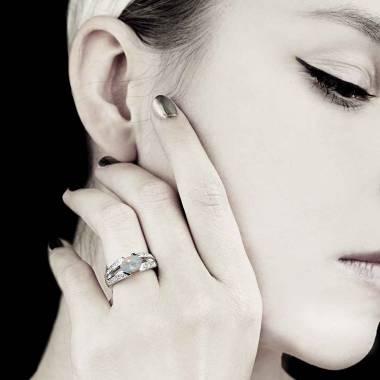 Bague opale blanche Isabelle