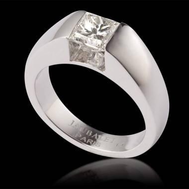 Verlobungsring mit Diamant in Weissgold Pyramide